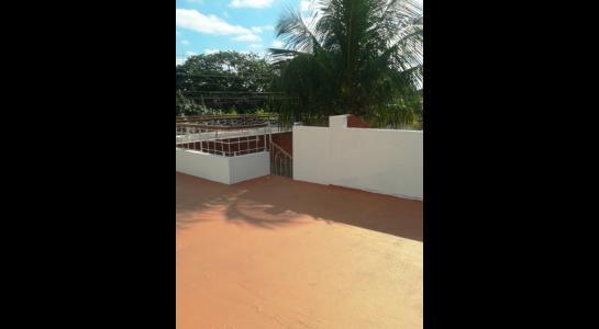Casa en Alquiler ALEMANA ENTRE 5TO Y SEXTO ANILLO FRENTE A BIBLIOTECA MUNICIPAL TODO CON ASFALTO. Foto 2