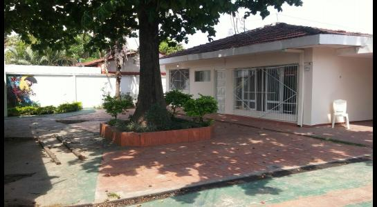 Casa en Alquiler Calle Julio Gutierrez Foto 2