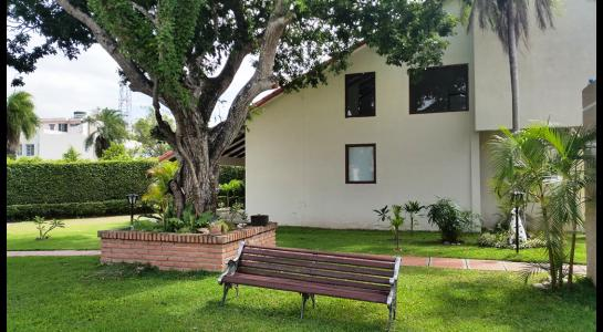 Casa en Alquiler Condominio JARDINES DEL URUBO  Foto 2