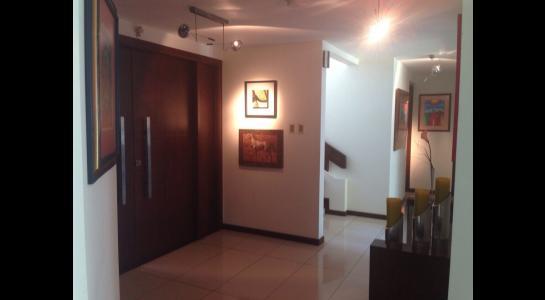Casa en Alquiler AVENIDA BENI PASANDO EL 5 ANILLO,  CONDOMINIO LA HACIENDA II Foto 14