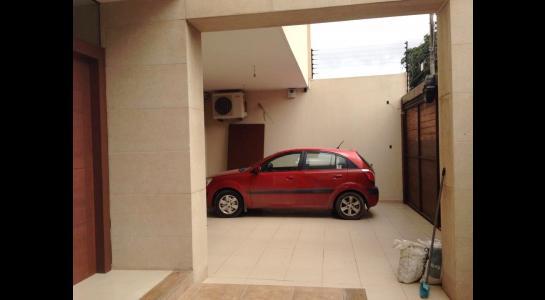 Casa en Alquiler Av Banzer entre 2do y 3er anillo Foto 8
