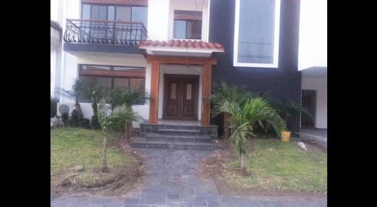 Casa en Alquiler  CONDOMINIO BARRIO NORTE UBICADO en la Av. Banzer  4to anillo Foto 7