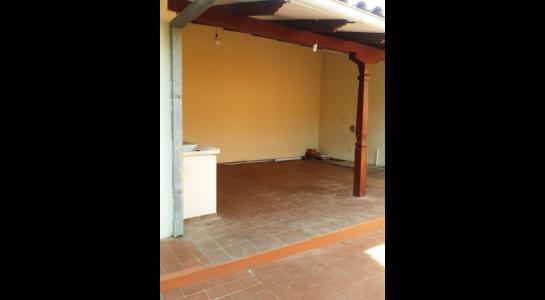 Casa en Alquiler ALEMANA ENTRE 5TO Y SEXTO ANILLO FRENTE A BIBLIOTECA MUNICIPAL TODO CON ASFALTO. Foto 7