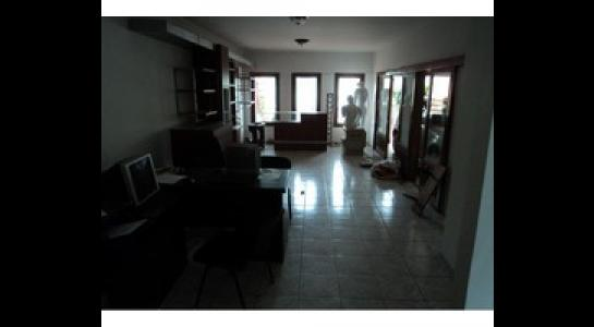 Casa en Alquiler Av. Melchor Pinto y 2do anillo. Foto 3