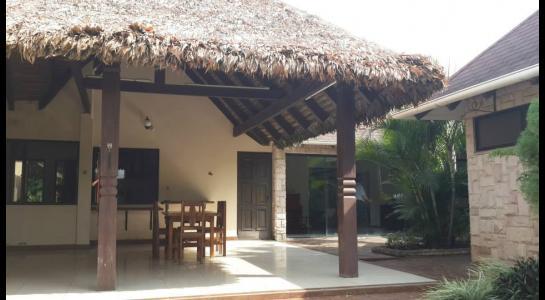 Casa en Alquiler Urbanización Ciudad Jardín,6.to Anillo al Norte cerca de la UCEBOL Foto 7
