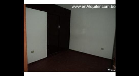 Casa en Alquiler Av.Paragua 3er y 4to anillo Foto 9