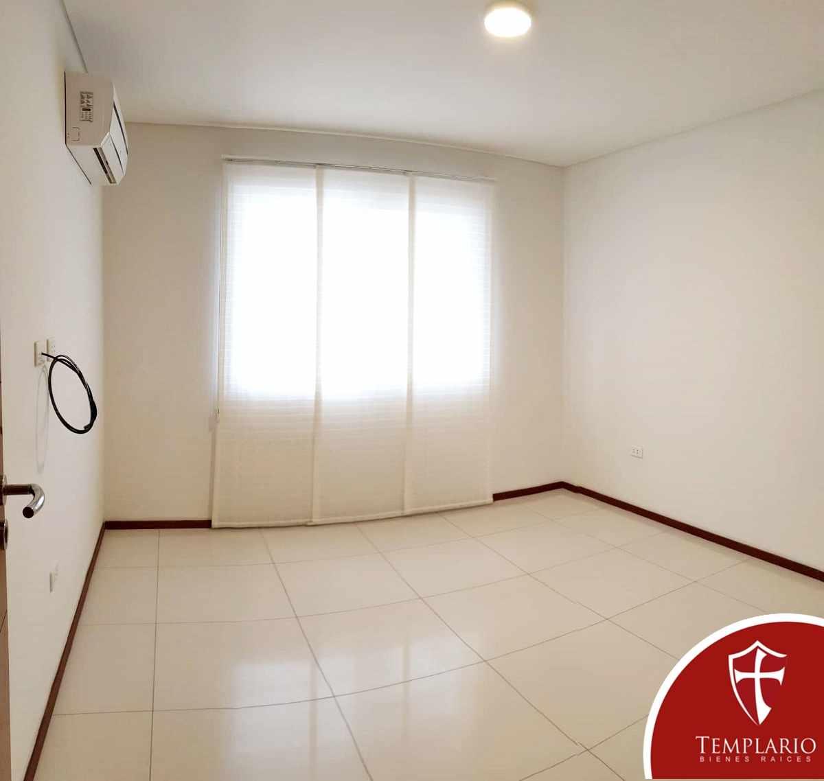 Casa en Alquiler Av. Pirai 6to anillo - Condominio Cavyar - Zona Oeste Foto 17