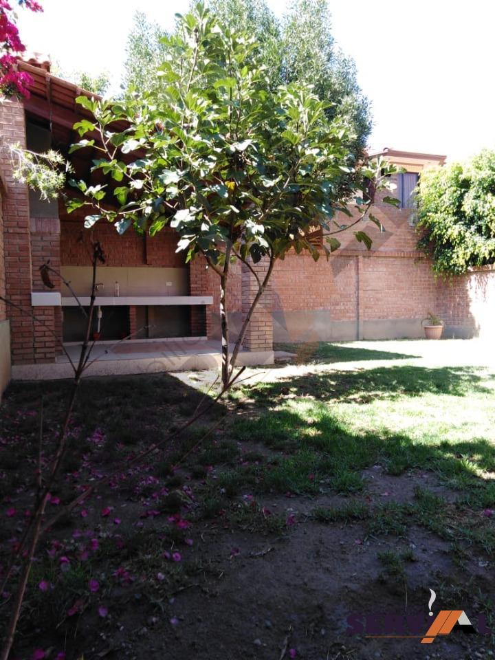 Casa en Alquiler CASA DE 2 PLANTAS INDEPENDIENTE, EN URBANIZACION, INMEDIACIONES KM 4 1/2 CIRCUNVALACIÓN Foto 7