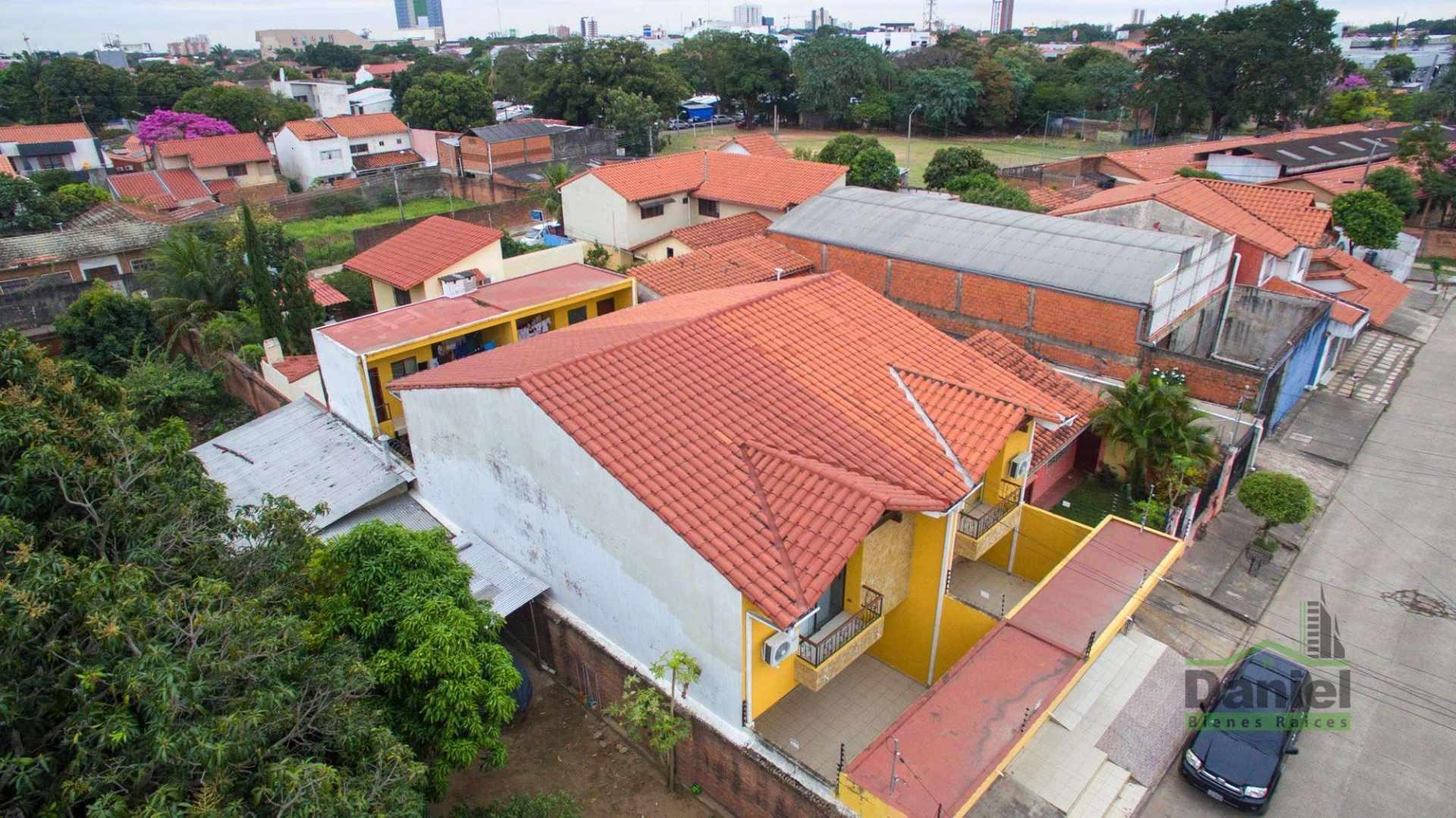 Casa en Venta EN VENTA BONITA CASA RADIAL 27 Y CALLE LOS GUAPOS Foto 13