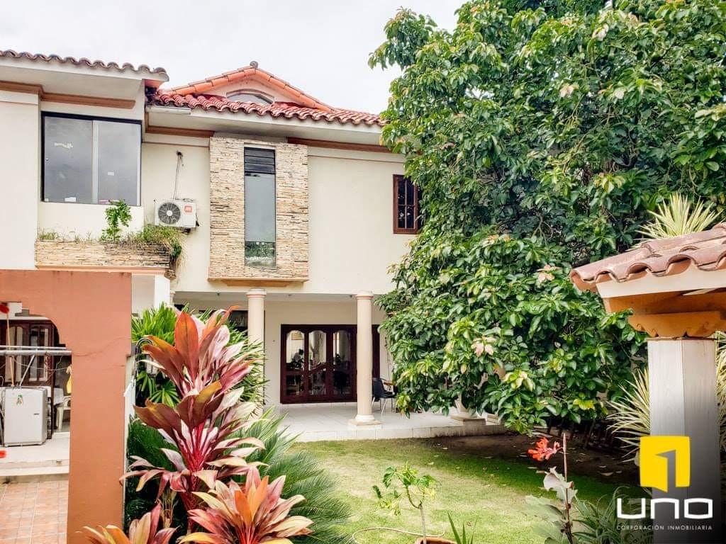Casa en Venta Hermosa casa en venta Z/Sur a solo 100mts del Parque Urbano Foto 16