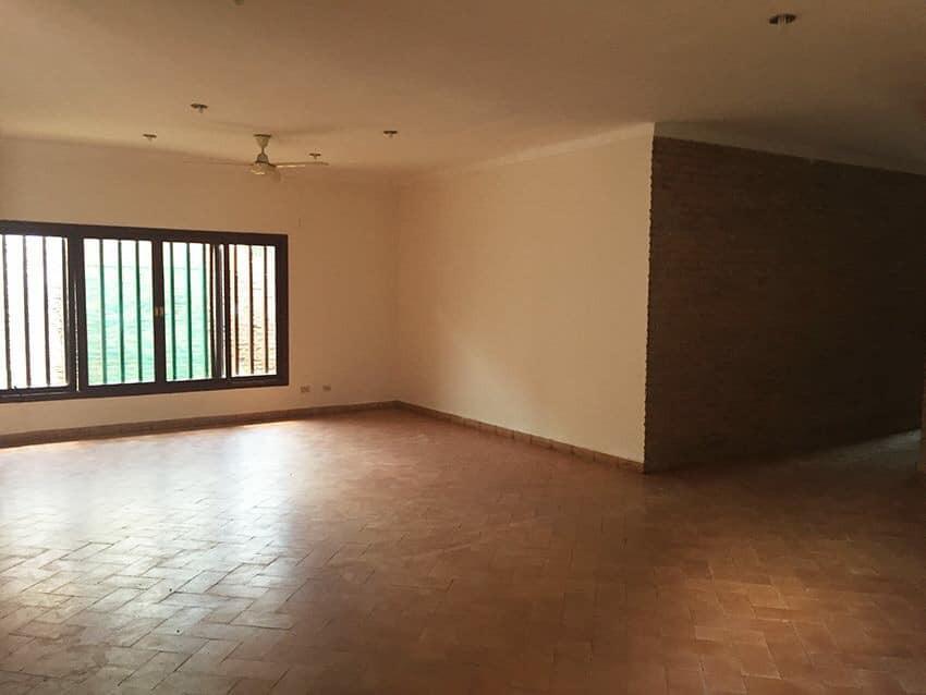 Casa en Venta Av. La Barranca, pasando 3 cuadras el 3er anillo. Foto 3