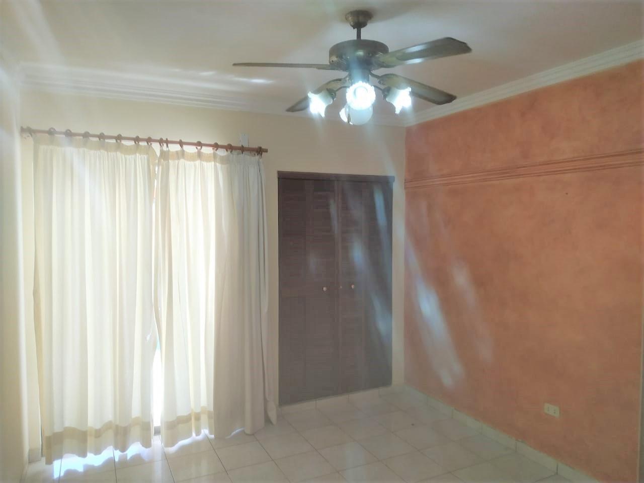 Casa en Alquiler COND LOS BOSQUES ENTRE 4TO  Y 5TO ANILLO RADIAL 26, CASA EN ALQUILER Foto 10
