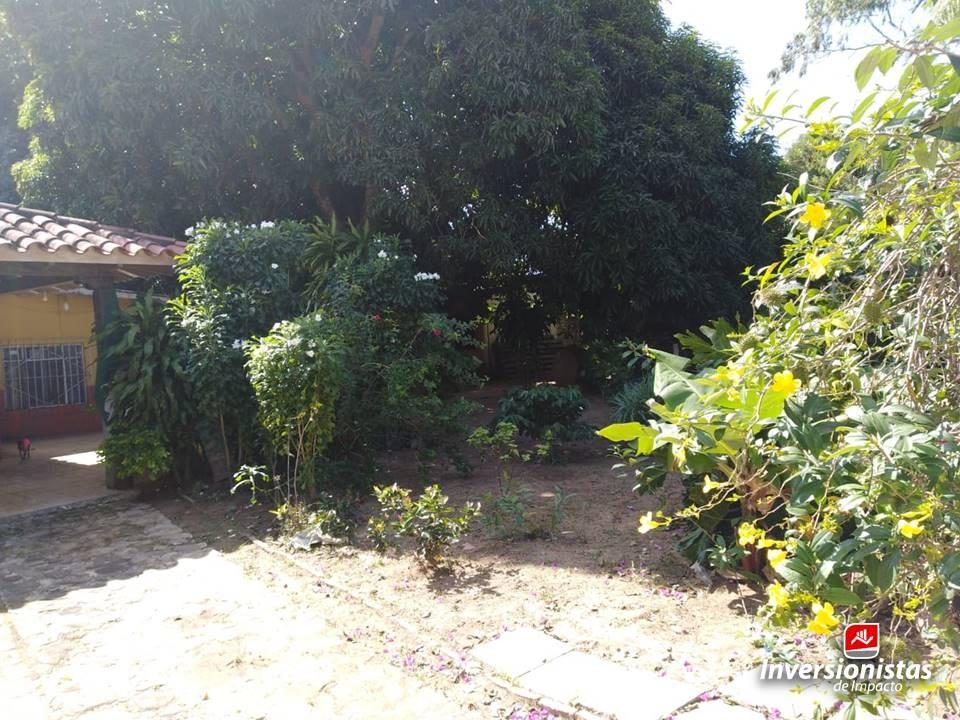 Terreno en Venta Av. Busch   3er y 4to anillo    Foto 4