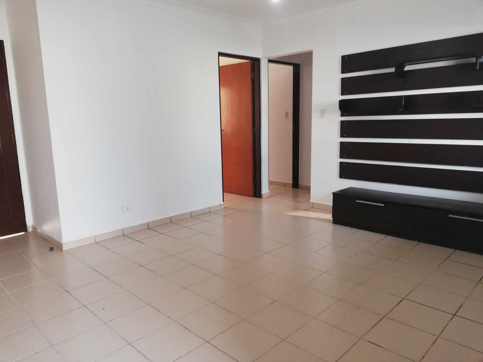 Casa en Venta Av Banzer Km. 10, Condominio Sevilla Terrazas II Foto 2
