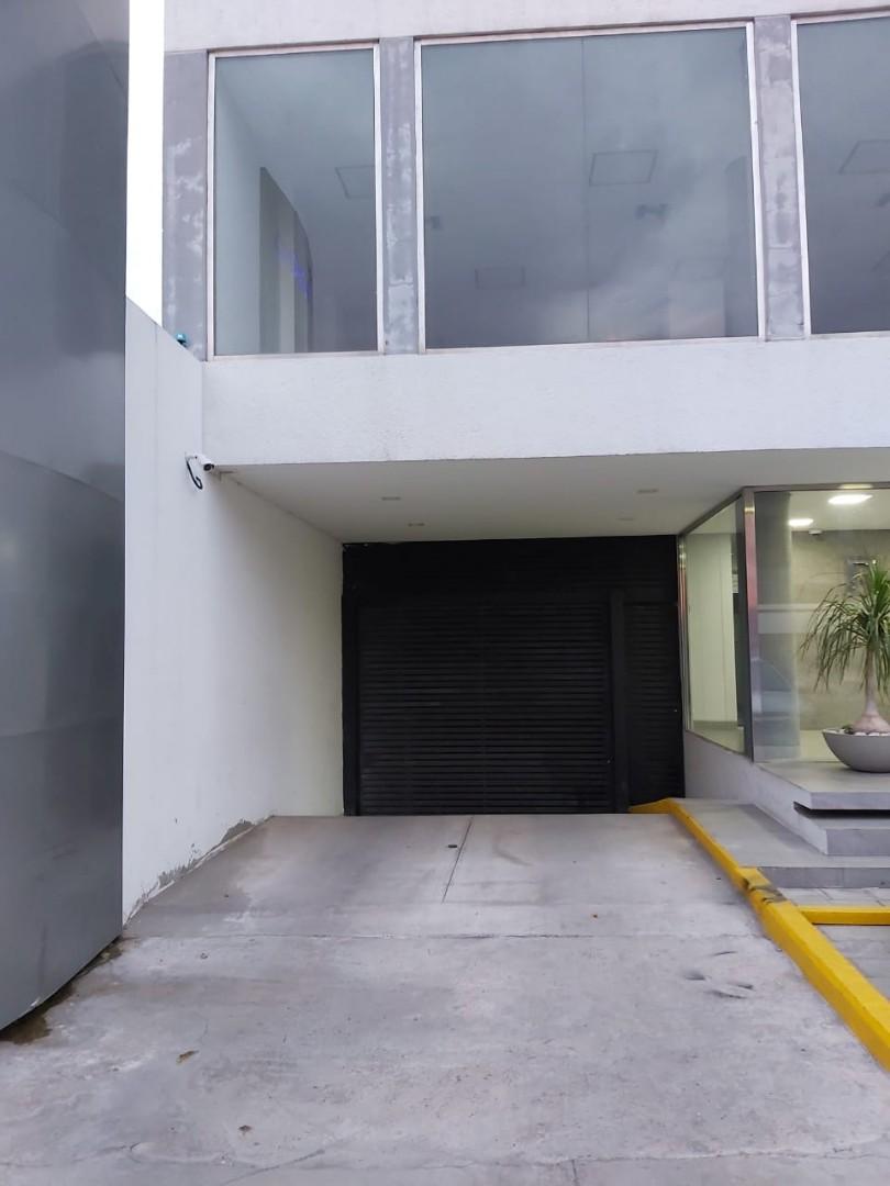 Oficina en Alquiler Calle Roboré paralela al 2do anillo Foto 7