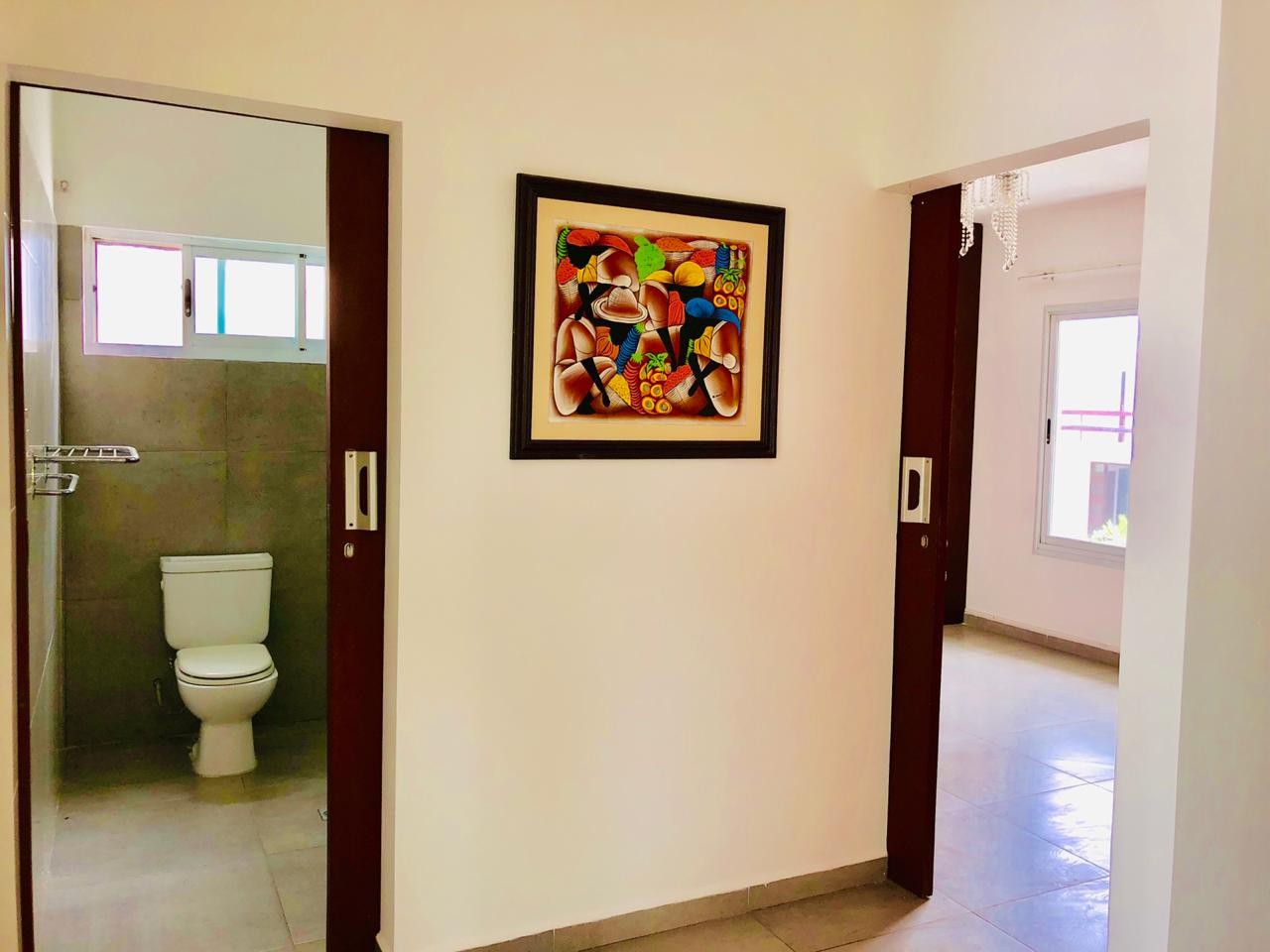Casa en Alquiler Zona Urubo - Condominio Jardines del Urubo - lado de Restaurante Casa del Camba - a 1 minuto del Puente principal. Foto 5