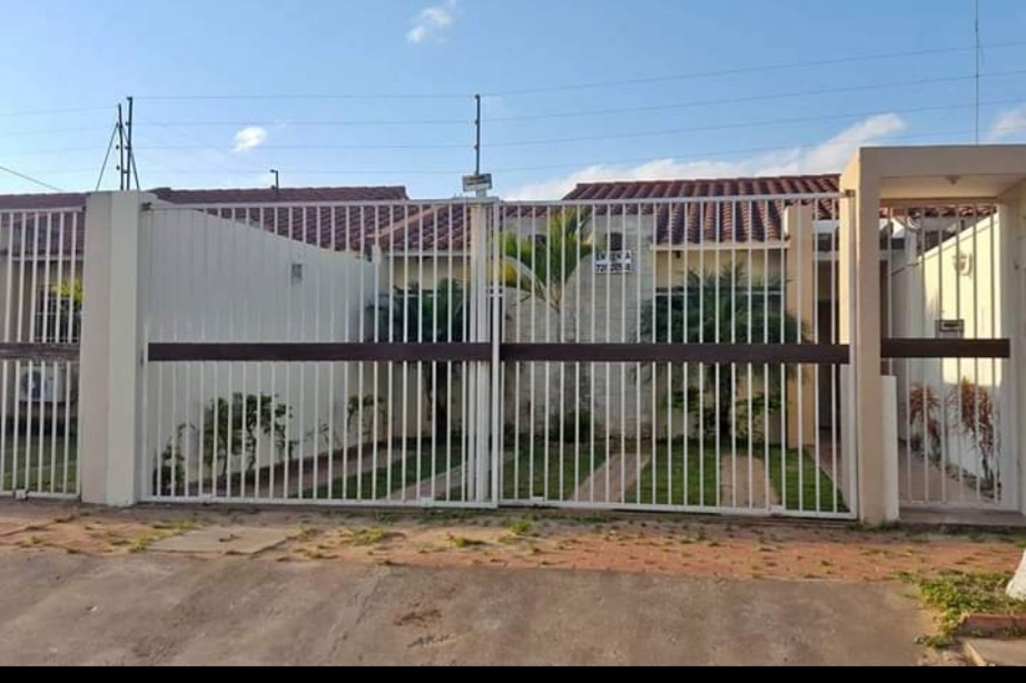 Casa en Venta Urb. Chiriguano zona Av. Santos dumont 6° y 7° Foto 3