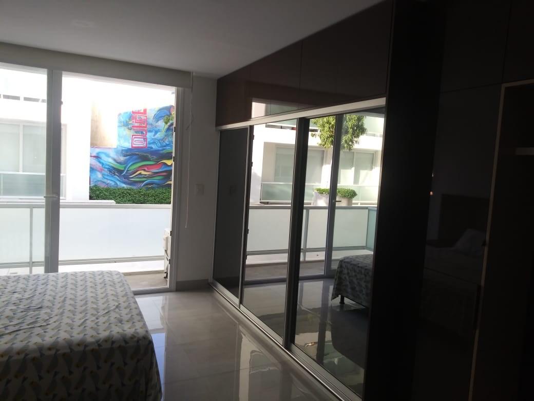 Departamento en Alquiler Condominio Zero . Av Noel Kempf pasillo Landivar Foto 7