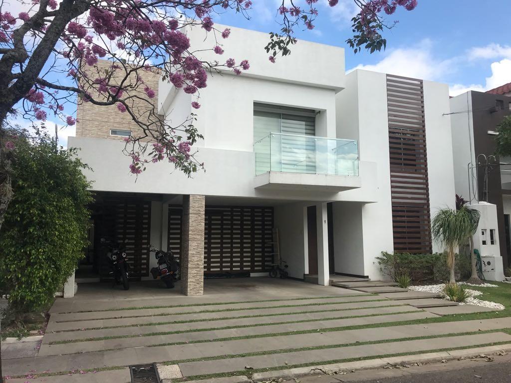Casa en Venta CASA DE LUJO EN COND. CIUDAD JARDIN Foto 8