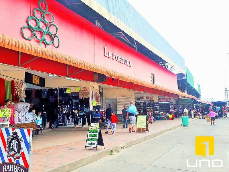 Local comercial en Venta ESTRATÉGICO LOCAL COMERCIAL  Foto 4