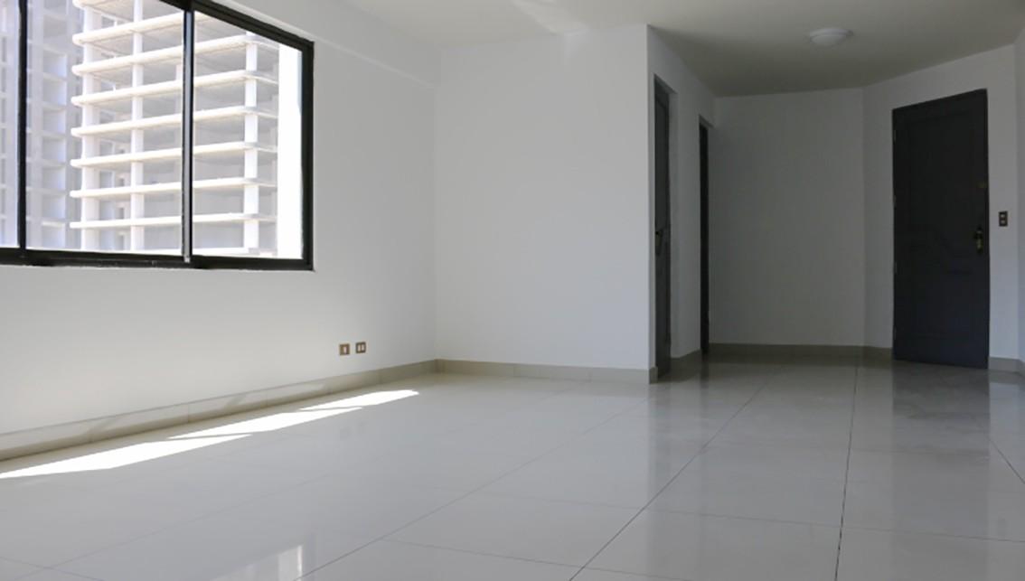 Oficina en Venta En Av America #435 Edificio Jaque. Esq. Plaza 4 de Noviembre. Foto 4