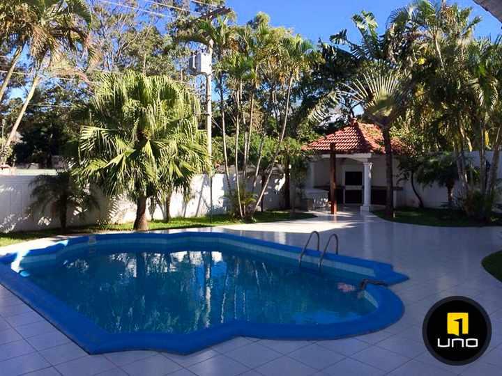 Casa en Alquiler LINDA Y AMPLIA CASA DE 2 PLANTAS CON PISCINA EN EL BARRIO LAS PALMAS Foto 13