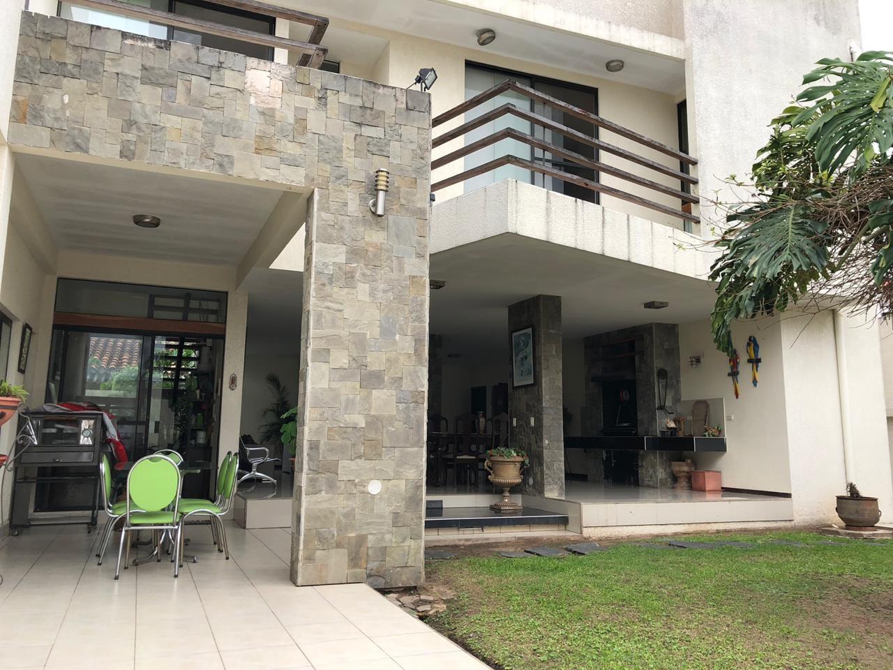 Casa en Venta Barrio Urbary Calle DECHIA entre 2do y 3er Anillo  Foto 8