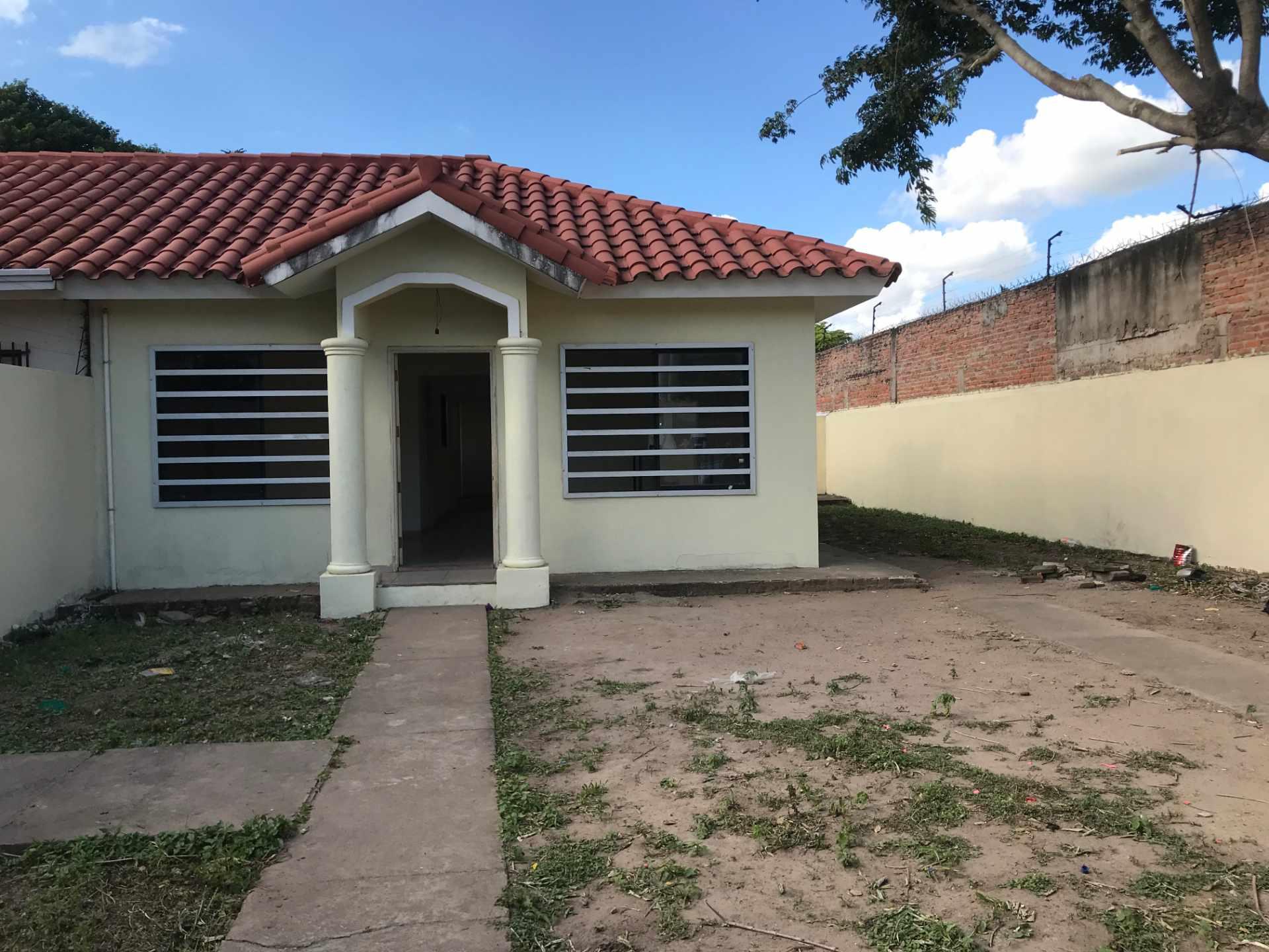 Casa en Venta AV. BANZER 8vo ANILLO, ZONA EL REMANSO III Foto 9
