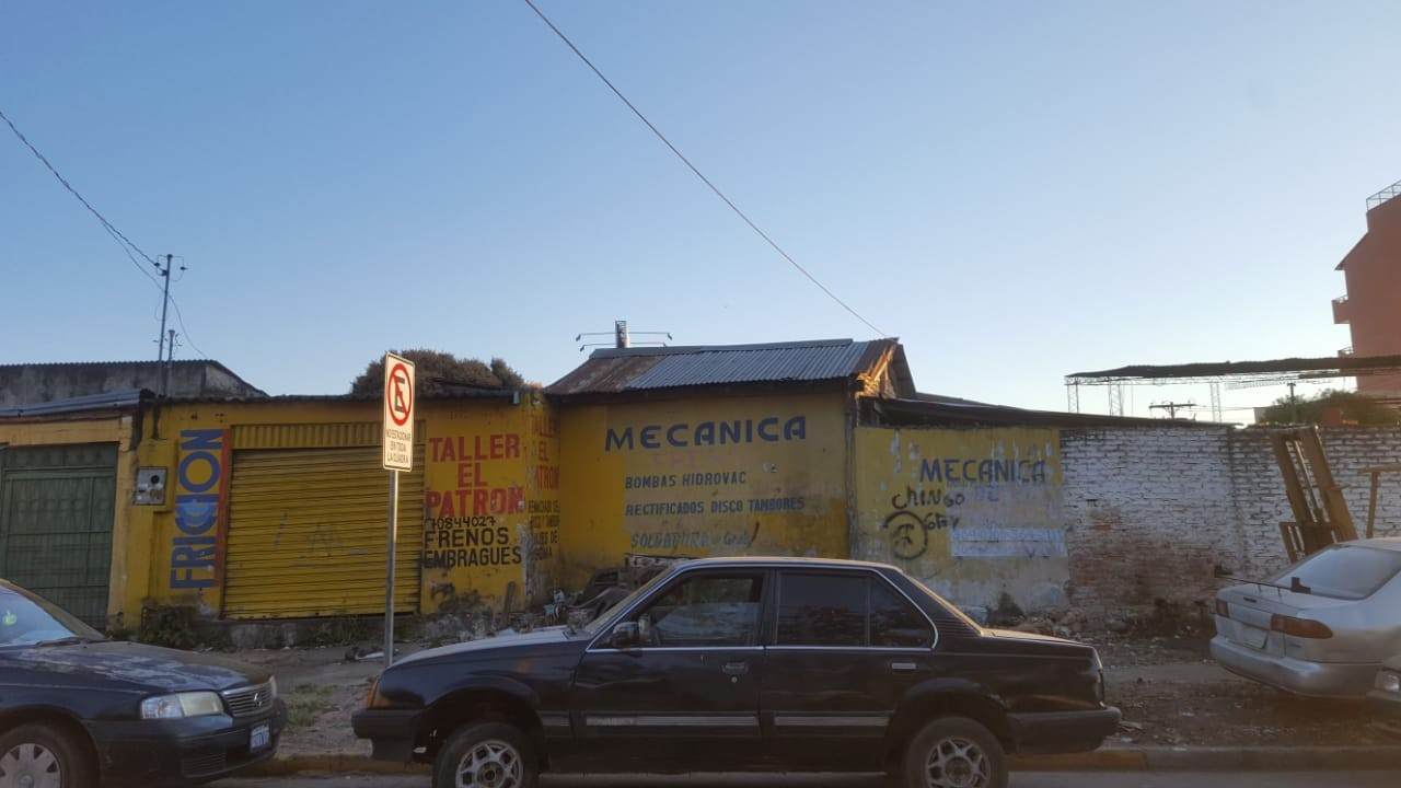 Terreno en Venta OPORTUNIDAD DE INVERSIÓN a una cuadra del segundo anillo entre avenidas Mutualista y Paraguá uso de suelo mixto. Foto 4
