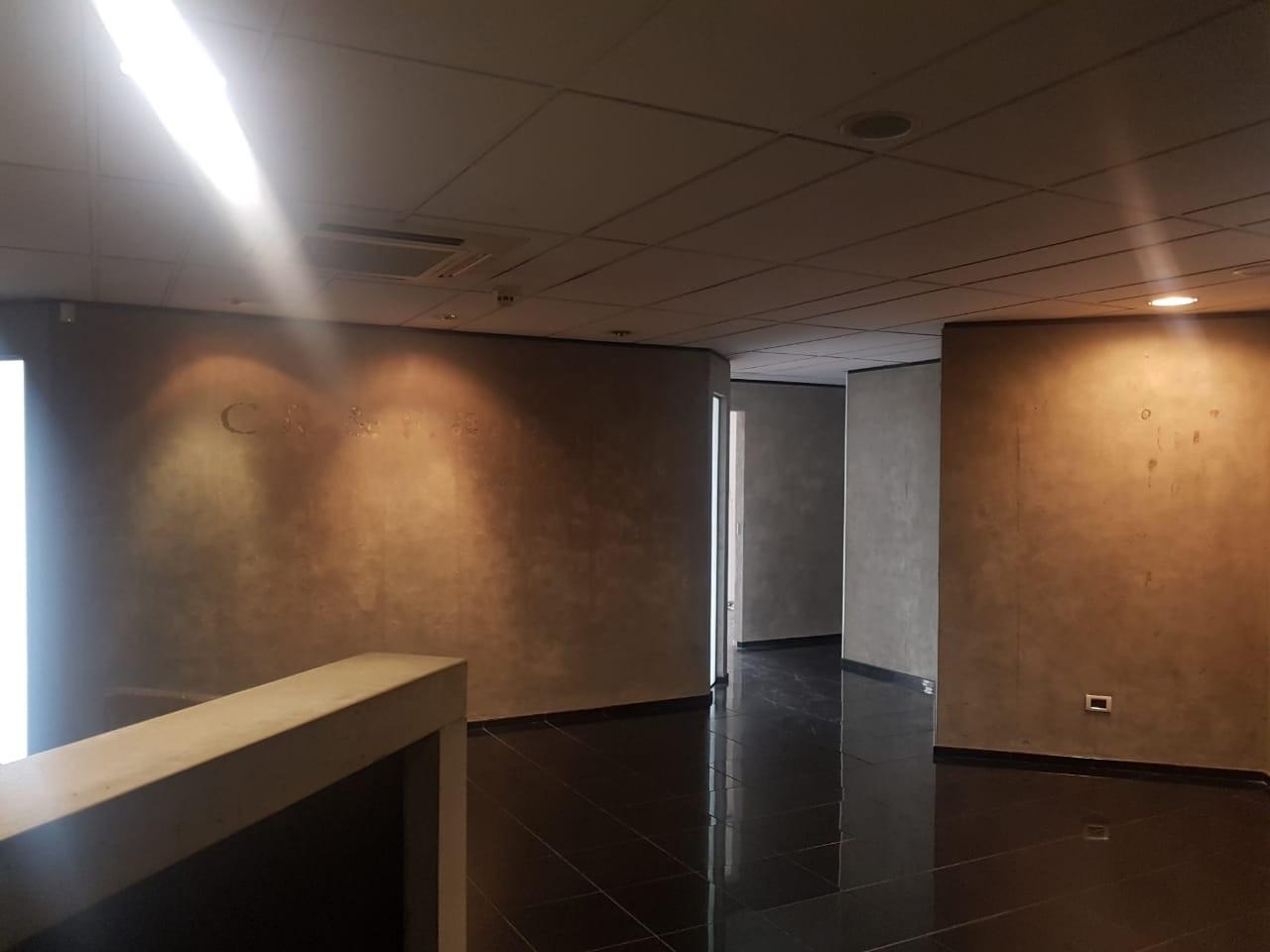 Oficina en Venta Gran oficina de lujo Torre Empresarial CAINCO   Foto 11