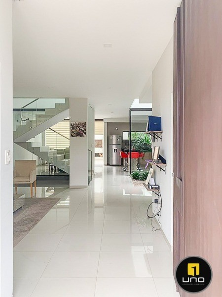 Casa en Alquiler ZONA NORTE, ENTRE 3ER Y 4TO ANILLO Foto 16
