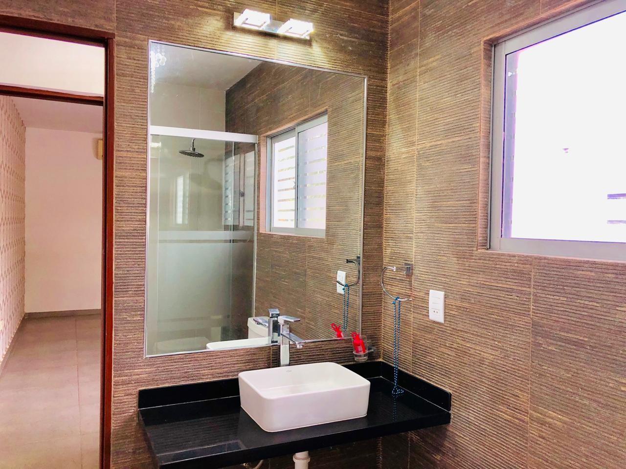 Casa en Alquiler Zona Urubo - Condominio Jardines del Urubo - lado de Restaurante Casa del Camba - a 1 minuto del Puente principal. Foto 3