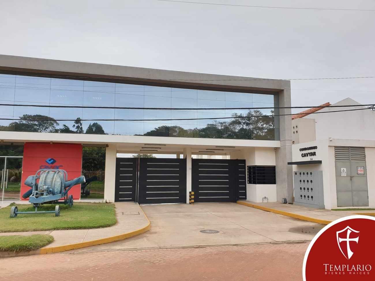Casa en Alquiler Av. Pirai 6to anillo - Condominio Cavyar - Zona Oeste Foto 3