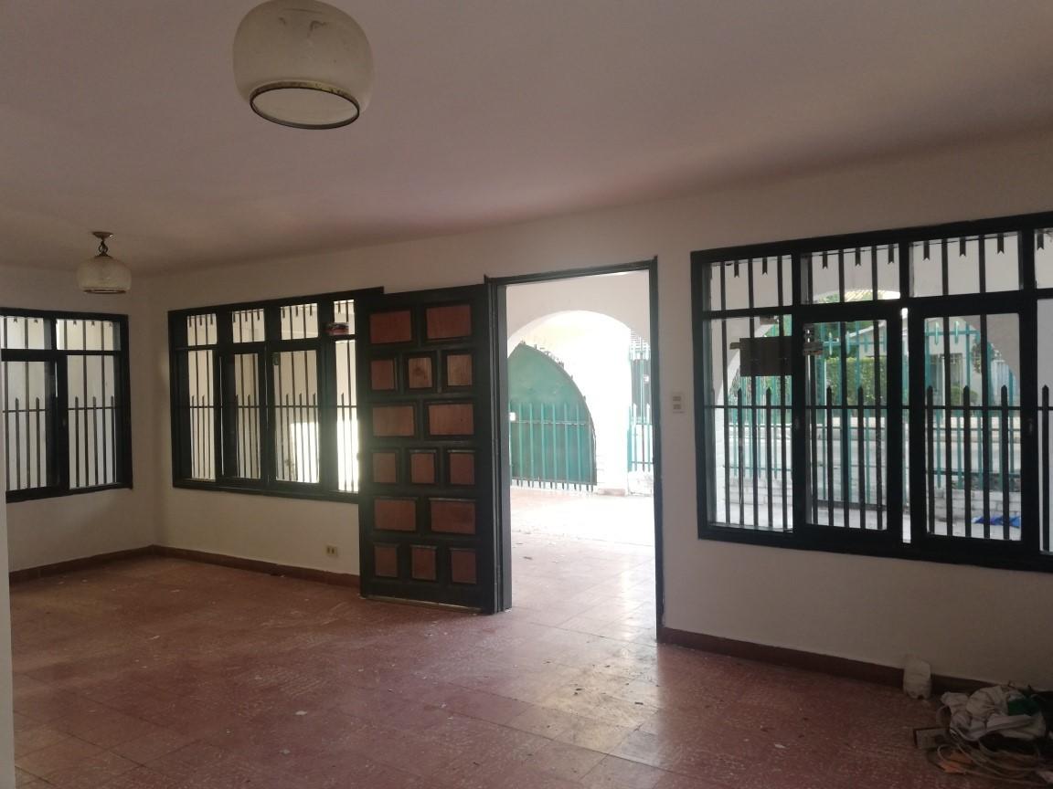Casa en Alquiler AV. ALEMANA 3ER ANILLO Foto 9