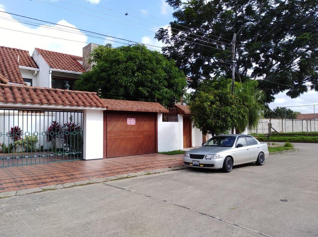 Casa en Alquiler ALQUILO LINDA CASA EN BARRIO PETROLERO SUR (POLANCO) Foto 7