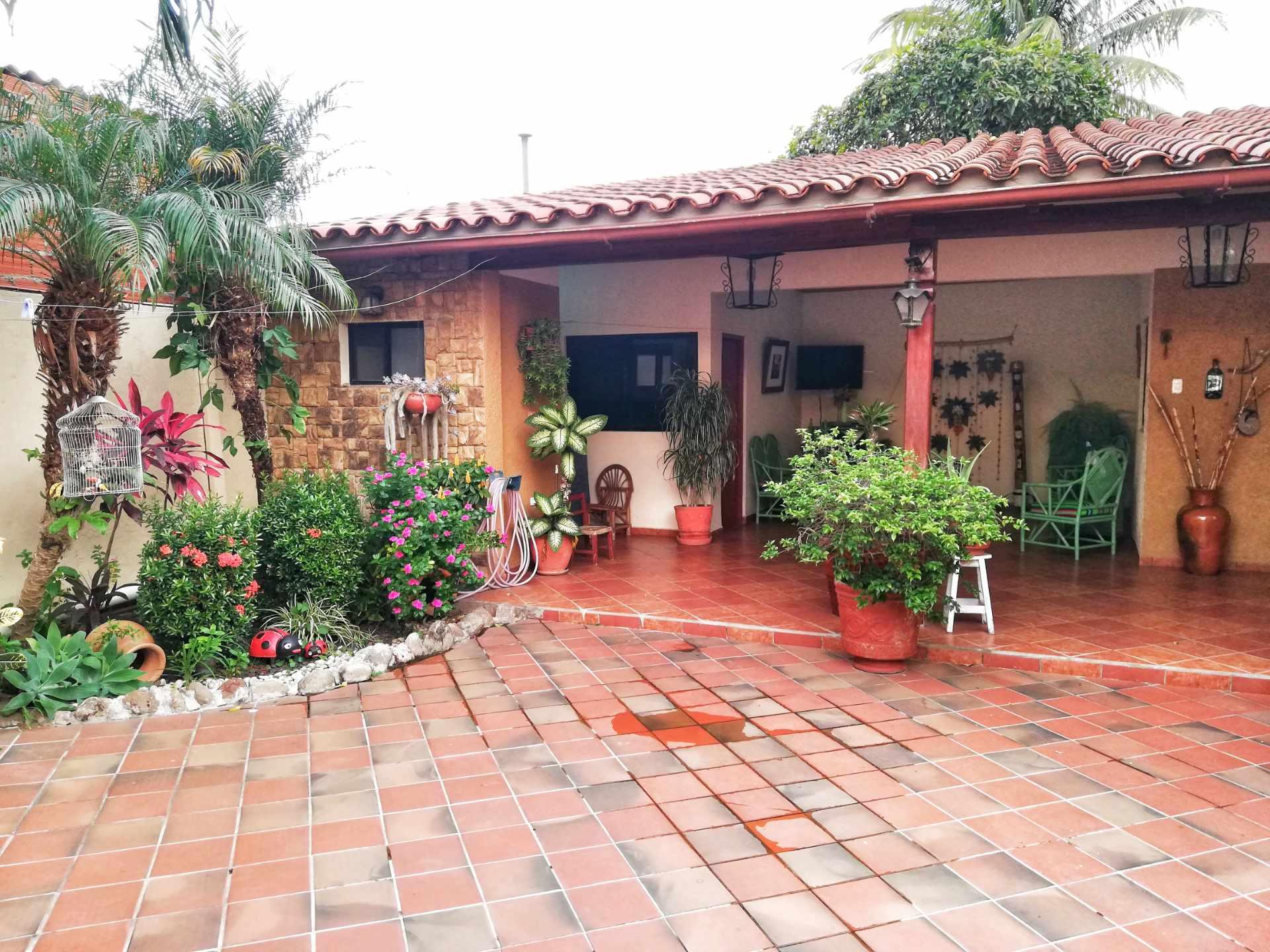 Casa en Venta HERMOSA CASA EN VENTA EN ZONA NORTE Foto 13