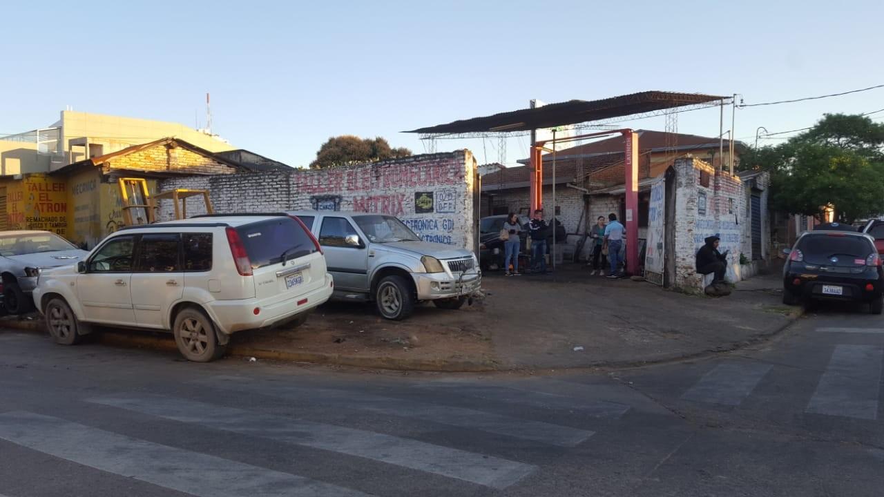 Terreno en Venta OPORTUNIDAD DE INVERSIÓN a una cuadra del segundo anillo entre avenidas Mutualista y Paraguá uso de suelo mixto. Foto 5