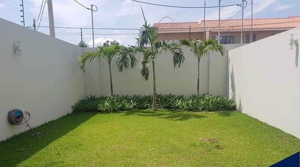 Casa en Alquiler Condominio Las Palmas del Oeste II, Av. Piraí entre 6to y 7mo anillo Foto 9
