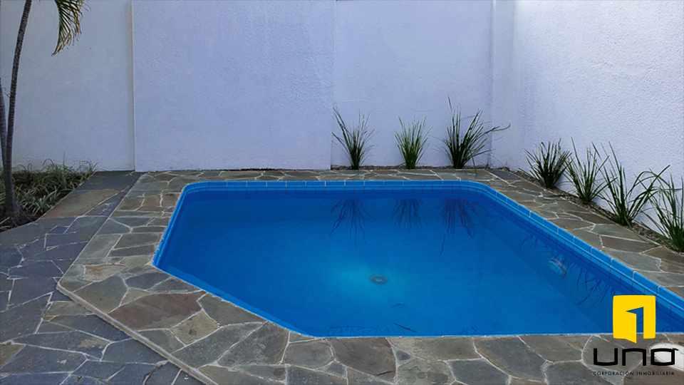 Casa en Alquiler HERMOSA RESIDENCIA EN LA MEJOR ZONA DEL BARRIO LAS PALMAS Foto 12