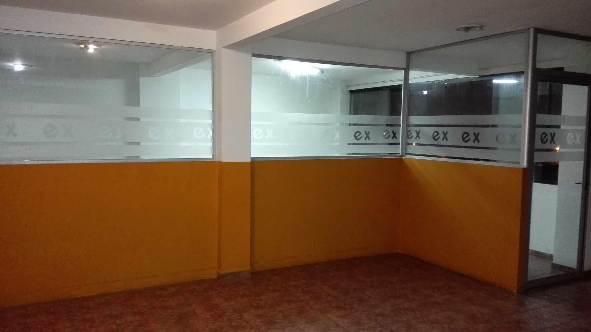 Oficina en Alquiler Calle Beni y Arenales Foto 3