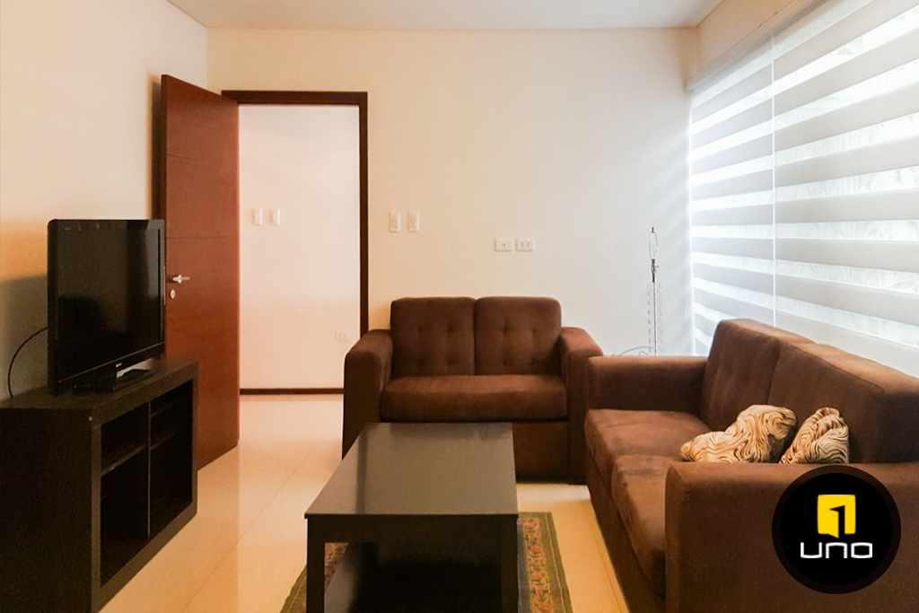 Casa en Alquiler LINDA Y AMPLIA CASA AMOBLADA EN CONDOMINIO PRIVADO ZONA OESTE 6TO ANILLO Foto 4