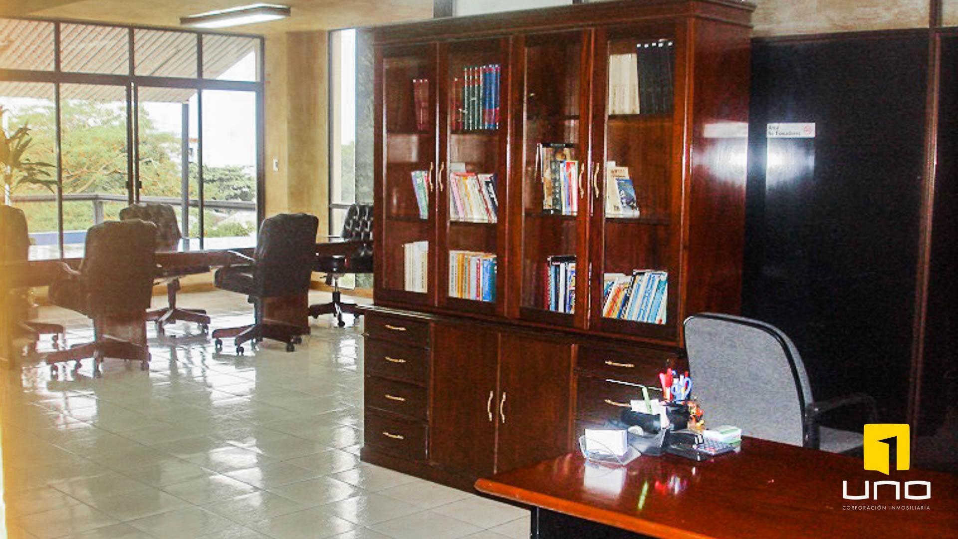 Oficina en Alquiler Alquilo oficina en Edificio sobre Avenida Irala Foto 2