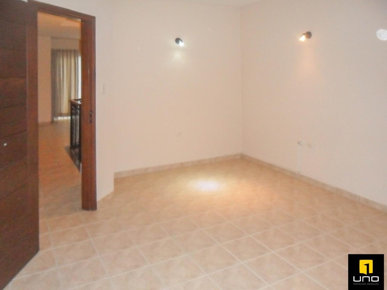 Casa en Alquiler ZONA OESTE, BARRIO LAS PALMAS Foto 2