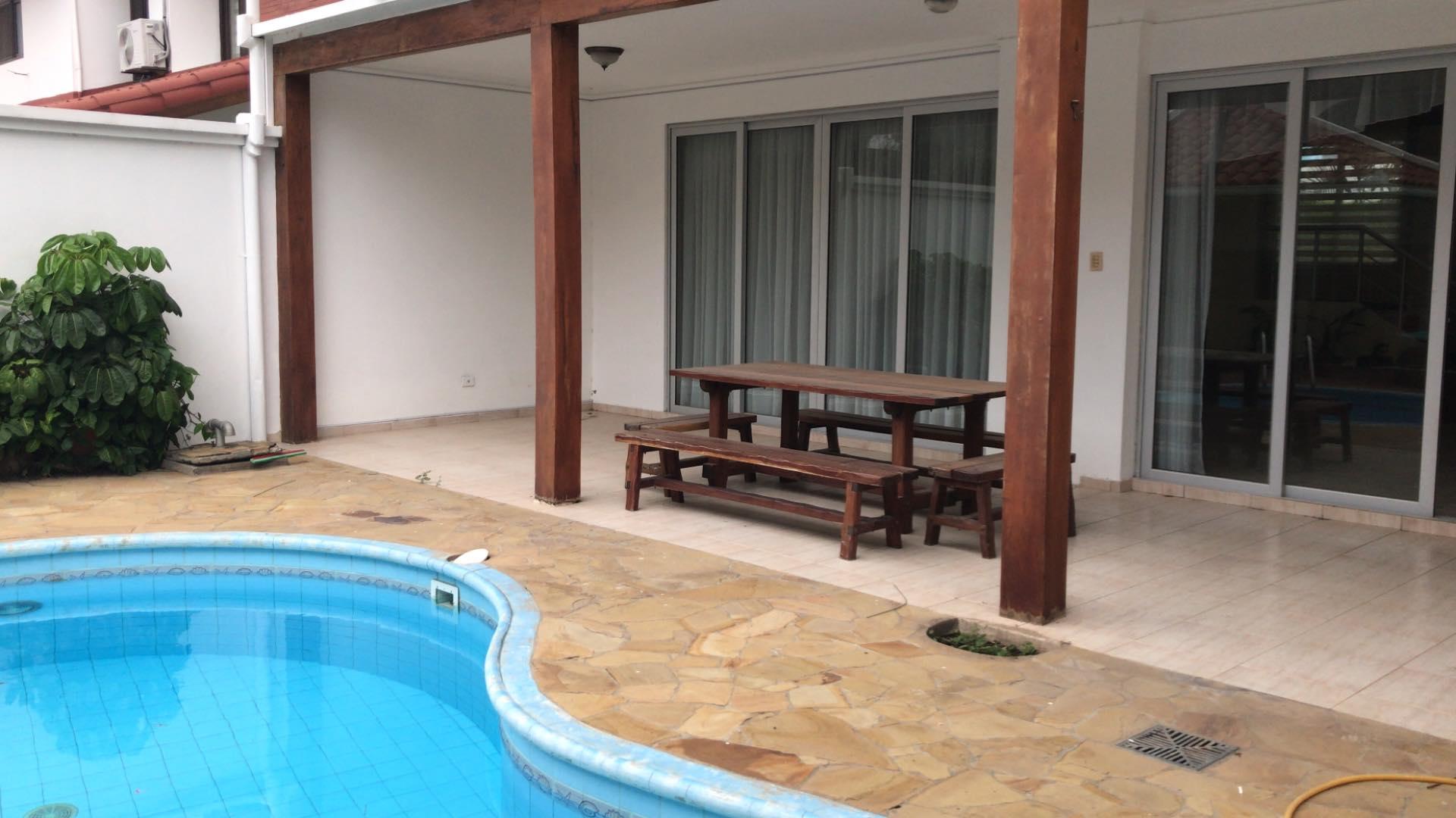 Casa en Alquiler Av. Banzer 4to anillo lado de Las Brisas Foto 9