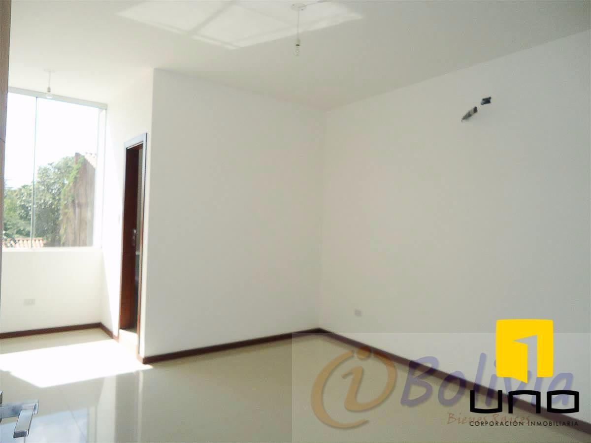 Casa en Venta Av. Banzer 3ro anillo externo Foto 14