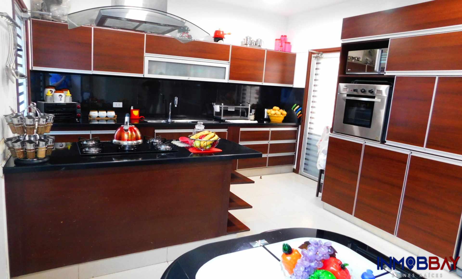 Casa en Venta AMPLIA CASA MINIMALISTA DE 2 PLANTAS RADIAL 27 Y CUARTO ANILLO Foto 8