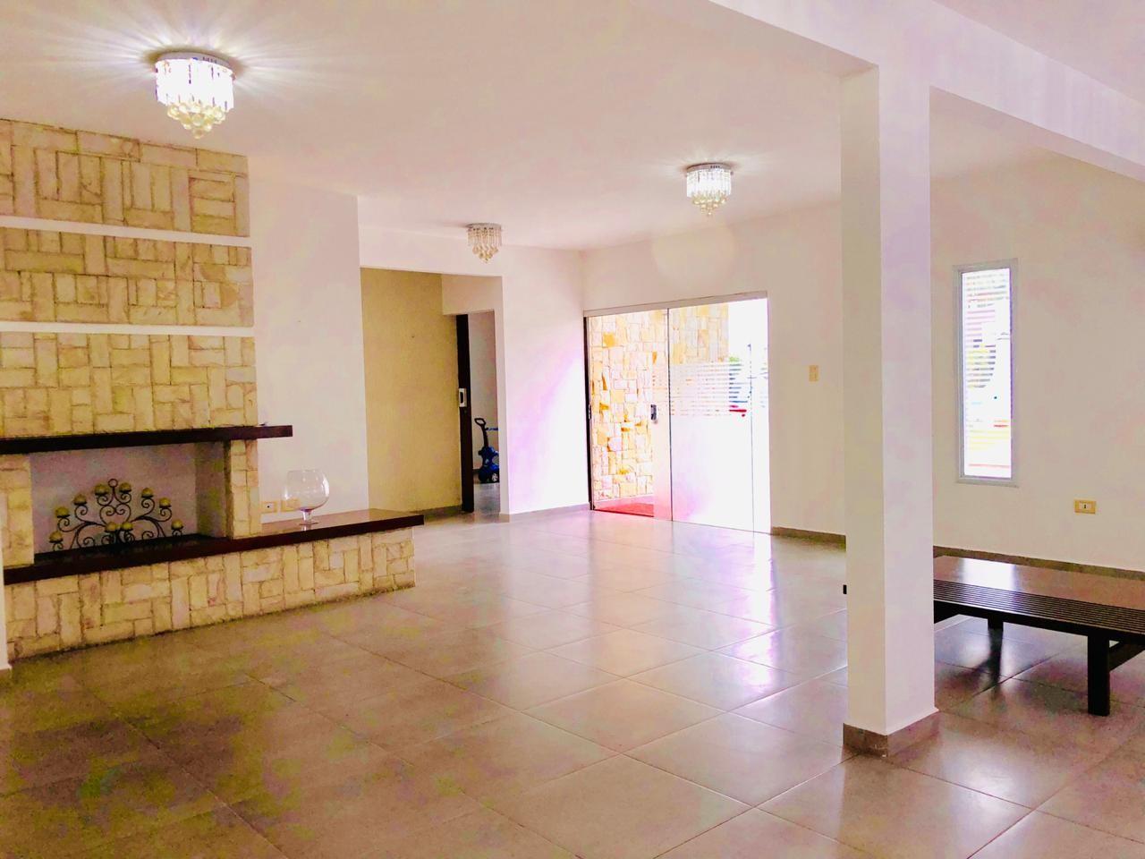 Casa en Alquiler Zona Urubo - Condominio Jardines del Urubo - lado de Restaurante Casa del Camba - a 1 minuto del Puente principal. Foto 17