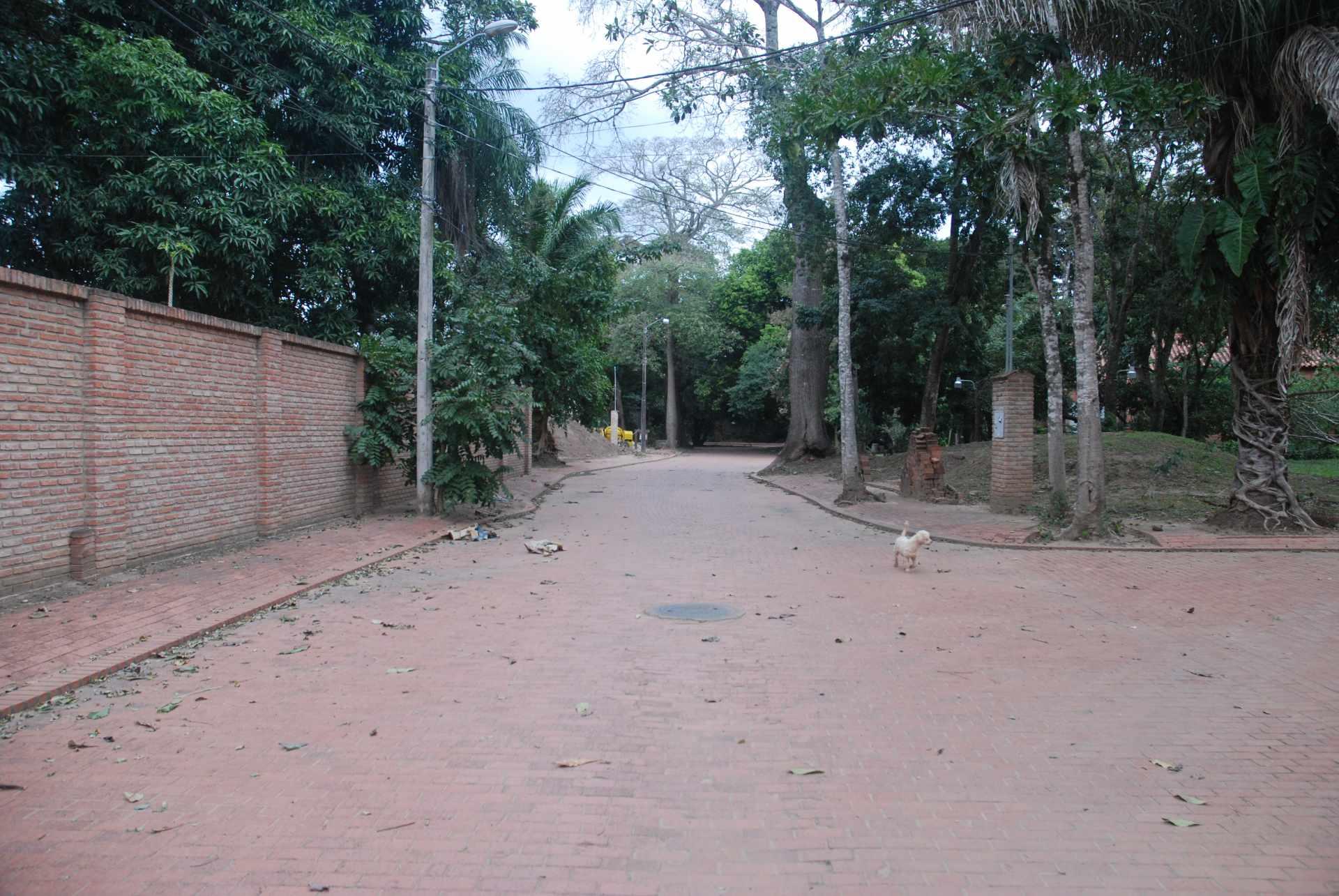 Terreno en Venta Av. Piraí ,  5to anillo. Foto 2