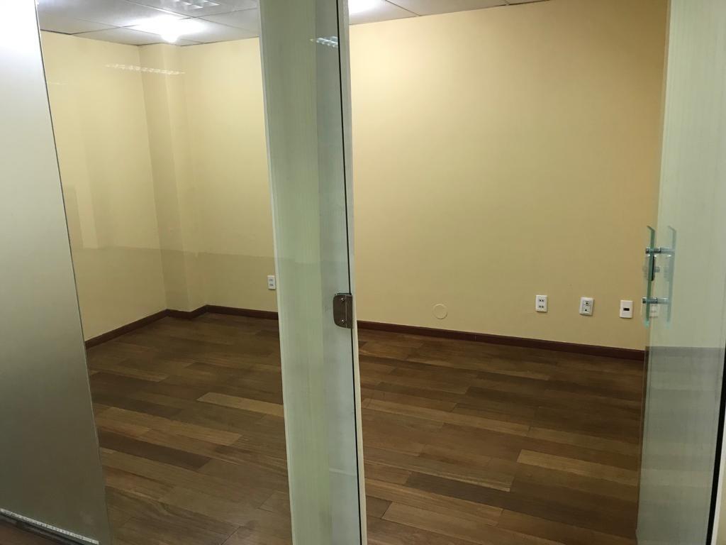 Oficina en Venta Calle 14 de Obrajes entre Hernando Siles y 14 de Septiembre  Foto 9