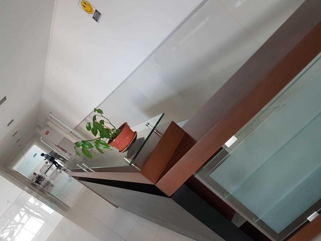 Oficina en Alquiler CONSULTORIO EN VENTA O ALQUILER EDIFICIO NUEVO NIÑO JESUS Foto 2